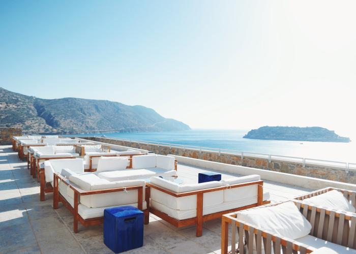 Terrasse mit Meerblick Blue Palace Luxury Collection Resort auf Kreta