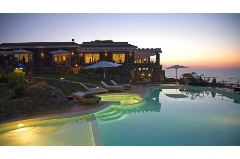 Bajaloglia Resort Sardinien Reisepaket
