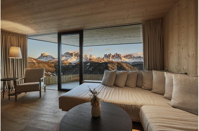 Luxus-Hideaway Forestis mit überwältigendem Blick auf die Dolomiten