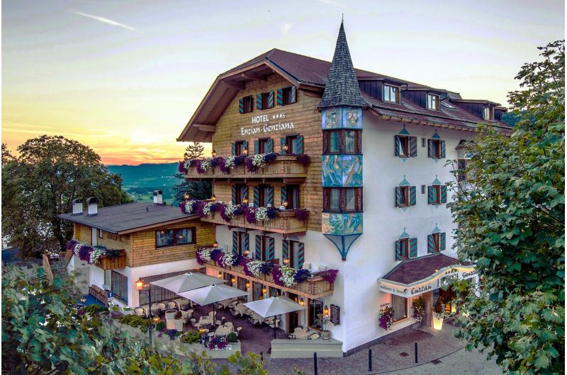 Familienurlaub mit geniesser-Arrangment im Hotel Enzian in  Südtirol