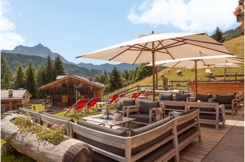 AUSZEIT IN DEN BERGEN: Urlaub im Chalet in den Alpen