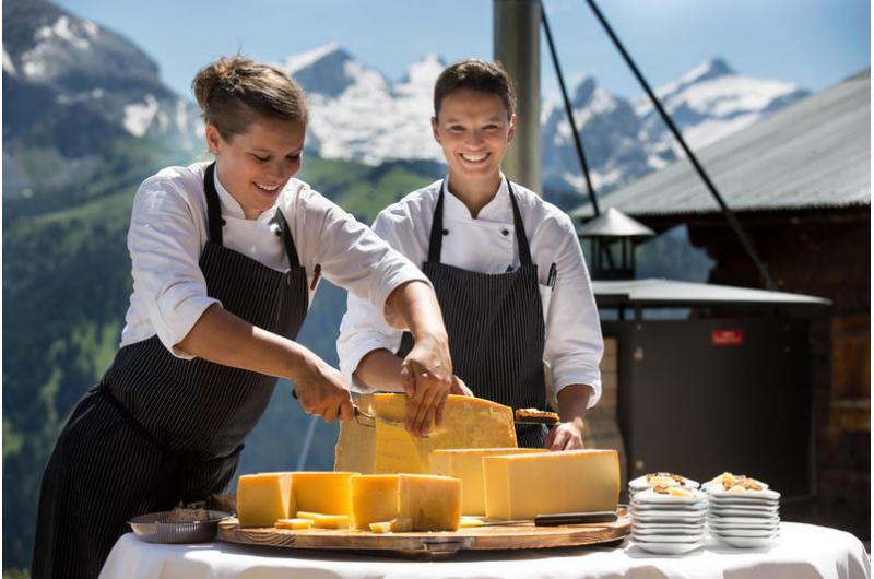 Käsefounde in den Bergen Bernerhof in Gstaad