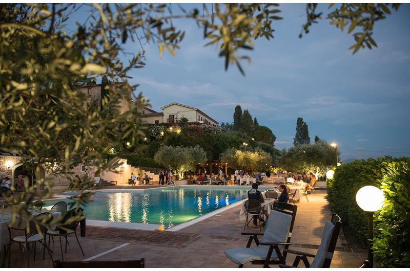 Hotel Bramante ristorante-bordo-piscina