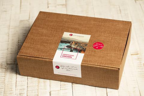 Geschenkbox mit ungarischen Spezialitäten